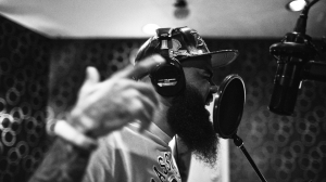 Stalley_Studio_Sing_BW_1170_656_s_c1